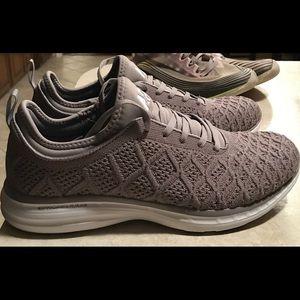 APL Women's Shoe